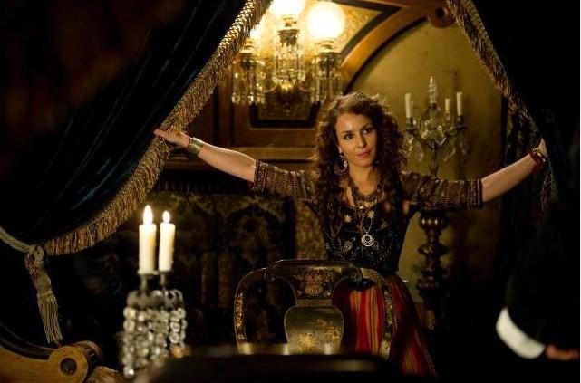 Gipsy glam in Sherlock Holmes