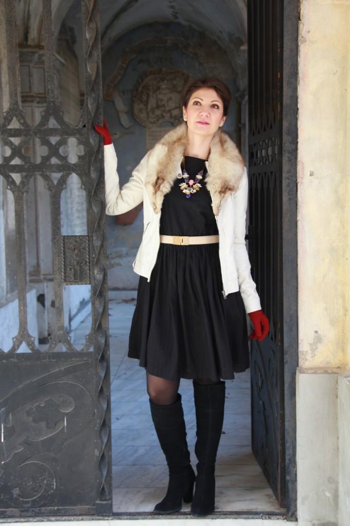 guler de blana, rochie neagra