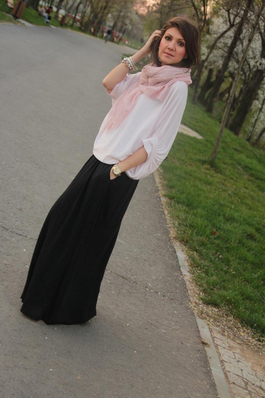 roz pudrat fusta lunga