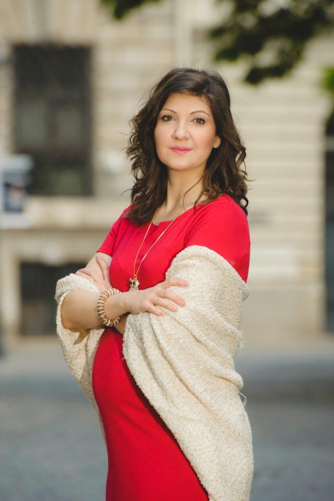 Cum să arăți chic pe perioada sarcinii