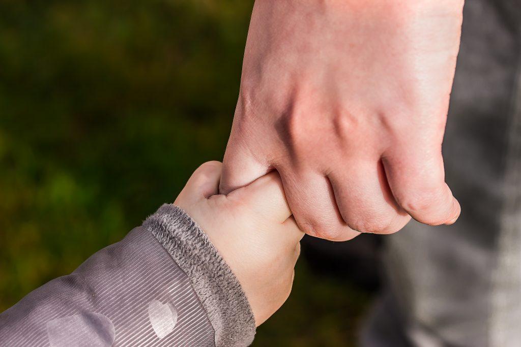 Copiii noștri sunt capabili de empatie. Trebuie doar să le cerem să ne înțeleagă