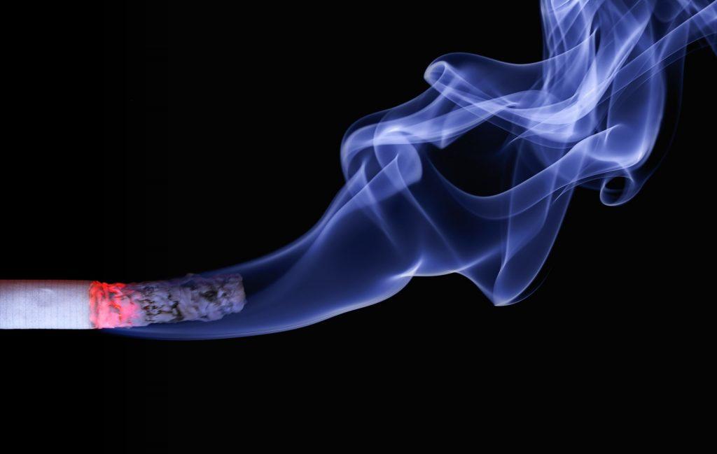Despre pericolele fumatului în sarcină