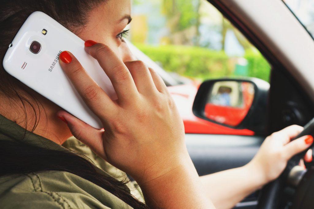 Cum să te comporți ca o Doamnă atunci când ești la volan