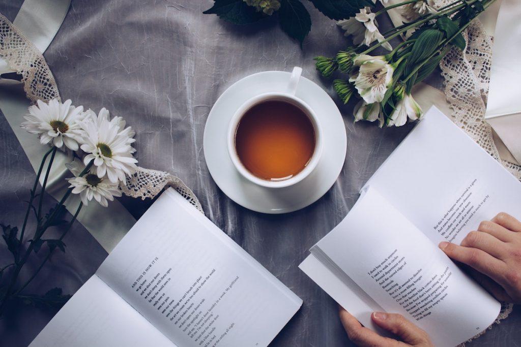 15 cărți numai bune de citit în vacanță