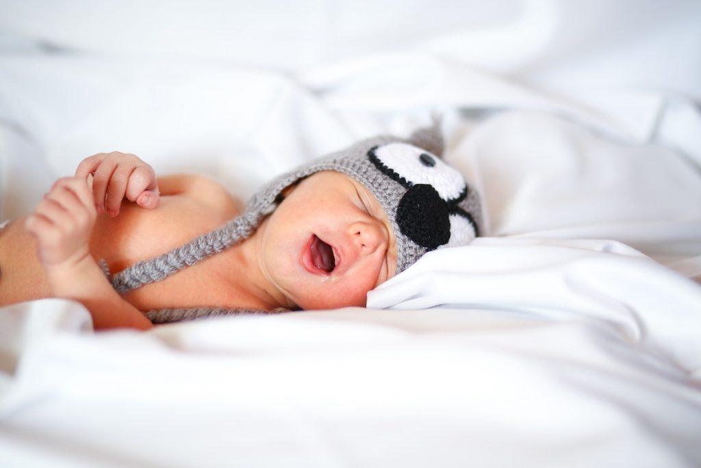 5 motive pentru care se trezesc bebelușii noaptea în primul an de viață